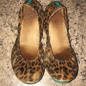 Leopard Tieks Size 9